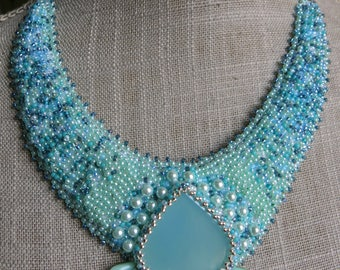 "Embroidered ""Lagoon"" agate stone necklace"