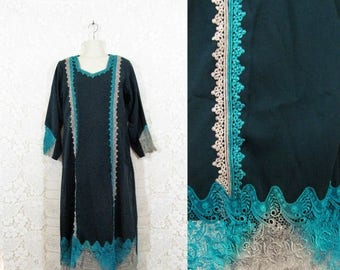 75% OFF CLEARANCE Vtg 90s does 70s Handmade Forest Green Crochet Lace Ethnic Tribal Caftan Dress sz M