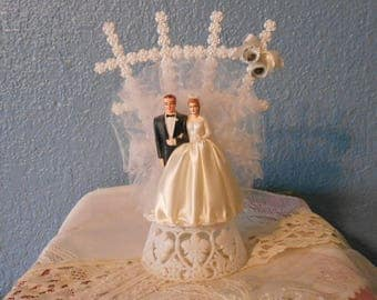 Vintage cake topper, Bride and groom, Bridal shower decor, Anniversary cake topper, Props, Staging, Retro weddings