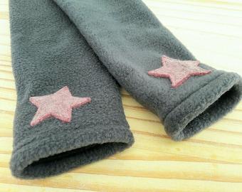 Polar mitts gray pink stars