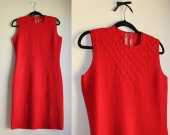 Red Knit Sweater Dress ||| Holiday Red ||| 1960s ||| Medium ||| Knit Dress ||| Vintage Shift Dress