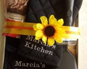 Personalized Kitchen Potholder Oven Mitt Gift Set Bridal House Warming ~Black