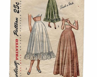 """A Half-Petticoat with 3 Length Variations Sewing Pattern for Women: No Instructions Included! Retro Size 18, Waist 30"""" • Simplicity 2421"""