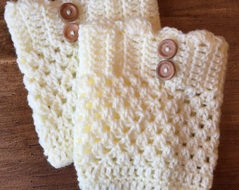 Crocheted boot cuffs in DK yarn - easy Pdf pattern