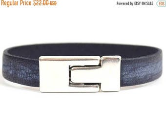10% Off Men's Vintage Midnight Blue Leather Bracelet with Antique Silver Magnetic Toggle Clasp (10F-511)