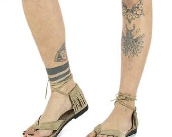 ON SALE Beige hippy boho fringes leather sandals, bohemian toe leather shoes, gypsy tribal festivals summer shoes, trance goa tongs, fringes