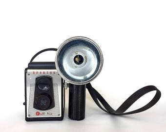 Vintage Spartus Full Vue Camera - Vintage Camera Decor - Vintage Photography Decor - Eclectic Home Decor - Trendy Vintage Decor - Mens Decor