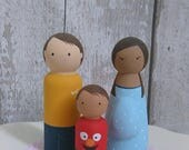 Peg Doll Family Peg Dolls Peg doll family portrait Personalised Peg Family Family keepsake Custom Family of 3 Peg Dolls Peg Family
