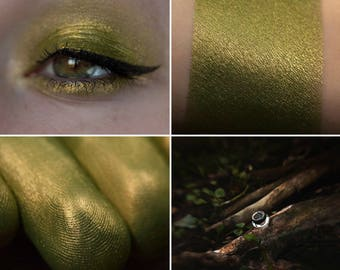 Eyeshadow: Lost in the Autumn Forest - Mountain Thorp. Marsh eyeshadow by SIGIL inspired.