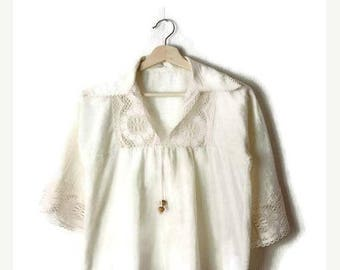 ON SALE Vintage White Cotton/Gauze Lace trim Short sleeve Tunic from 1970's/hippies/boho*