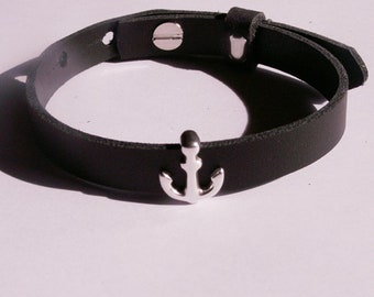 Black leather bracelet with silver-plated anchor slider