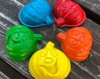 Pumpkin Crayons set of 40 - Party favors - Halloween Crayons