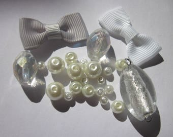 24 round and oval glass beads and knots of fabric (BA11)