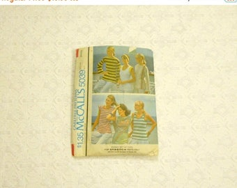 BACK TO SCHOOL Vintage 70's Nautical French Sailor Bretonne Top Pattern szSmall