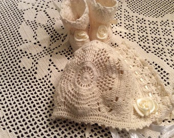 Crochet pdf downloadable pattern for Baby Erika christening bonnet and booties, baby crochet pattern, baby bonnet pattern, infant booties