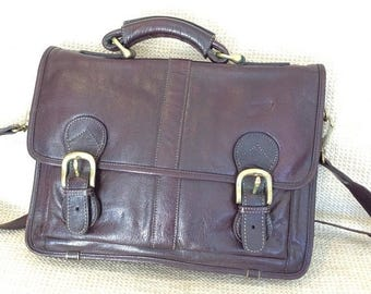 20% SUMMER SALE Vintage chestnut brown leather messenger travel bag crossbody