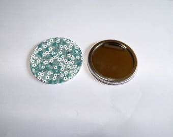 """liberty print Pocket mirror 2"" it measures 5.8 cm in diameter"