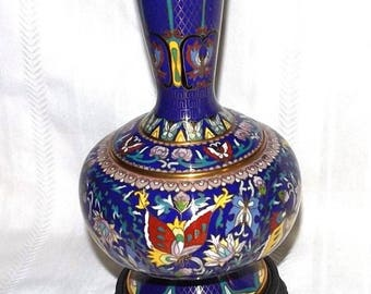 Beautiful Chinese Cloisonne Vase   Large   10 Inches Stunning