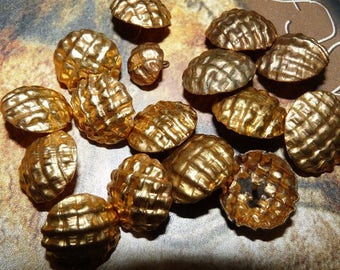 Lot 16 buttons round top checkered vintage Golden jewelry for garment sewing notions