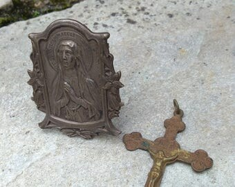 French antique  Jesus religious medal reliquary Christian prayer virgin Mary metal ornate frame desk travel reliquary bronze ornate crucifix