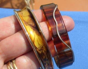 Lot Of Retro Swirled Enameled & Faux Tortoise Small Sized Bracelets