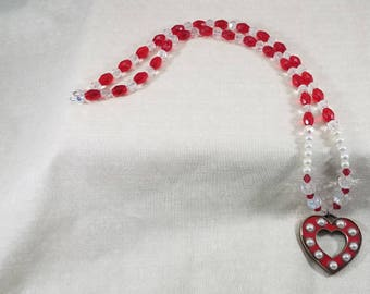 Glass Beads,Pendant,Necklace,red,heart pendant,pendant necklace,white,bling,elegant,heart necklace,elegance,heart,love,romance,