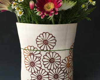 Vase with Daisies and Small Green Stripe
