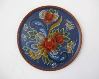 Norwegian Rosemaling on a plate