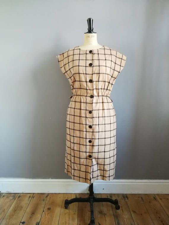 50s style checked dress / beige and black fitted shift dress / batwing work dress / button up brown black day dress / 80s does 50s / madmen