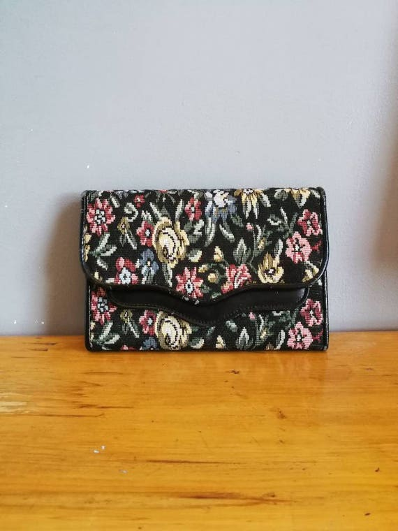 Large floral tapestry purse / 90s tapestry wallet / large floral wallet with coin purse / wallet organiser / black tapestry coin purse /