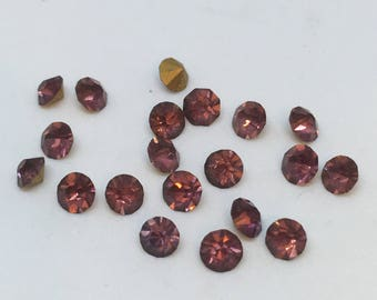 Vintage Glass Round Amethyst Purple colour Glass Rhinestone chaton 4mm Foiled pointed back - 20 pieces