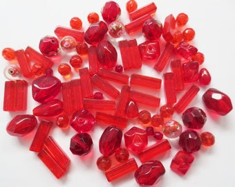 50gr assortment PASSION red glass beads