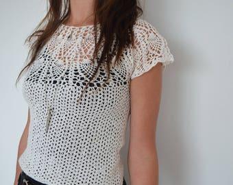 Vintage 90's white cream crochet top xs
