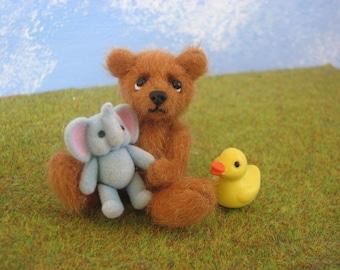 "cute Miniature Teddybear, bear, teddy, artist teddy,  ""Richard"" OOAK  FraMelArt, 2,56 inches (6,5cm)"