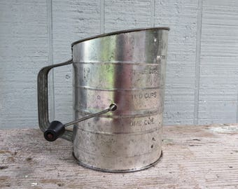 Vintage Bromwell Three Cup Flour Measuring Sifter