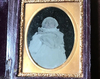 Touching Post Mortem Cased Ambrotype - Little Baby - Antique Victorian
