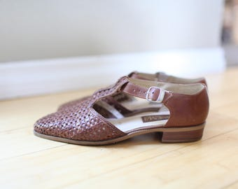 vintage woven brown leather t strap sandals womens 8 1/2