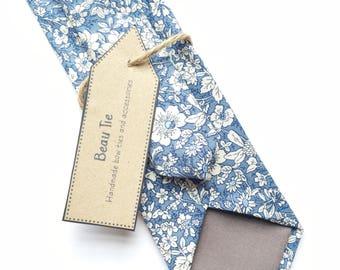 Floral tie, blue skinny tie, ditzy floral tie, Mens skinny tie, meadow print tie, wedding tie, men's floral tie