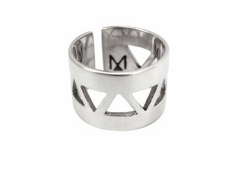 """Ring M.A.STONE """"Cheyenne"""" 925 sterling silver triangle, graphic pattern."""