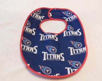 Baby bib featuring the Tennessee Titans Football Team