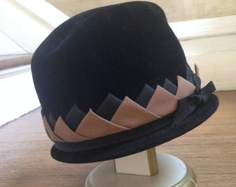 Voguemont Vintage Black Velvet hat with ribbon trim