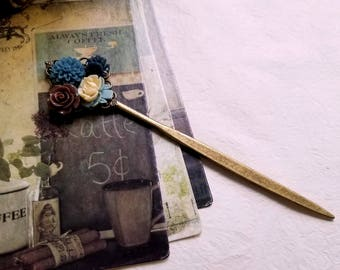 Vintage inspired Blue flower bookmark Flower assemblage Jewelry bookmark Floral rustic bookmark