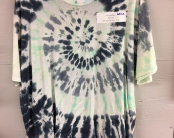 Men's 2X tie dye tee mint black and gray spiral, Hanes ComfortSoft