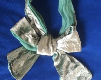 Ascot tie, celadon green lame velvet lined coir vertd' water dyed
