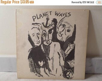 Save 30% Today Vintage 1974 Vinyl LP Record Planet Waves Bob Dylan Very Good Condition 14352
