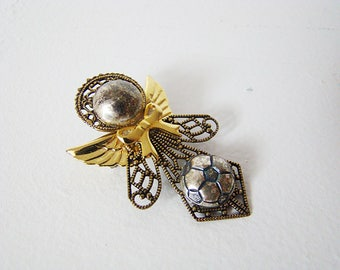 Vintage Two Tone Filigree Soccer Angel Pin