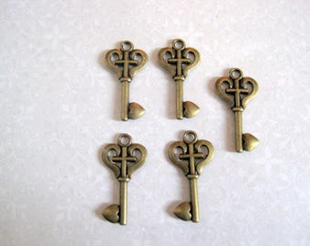 Key 2 X antique bronze 35mm
