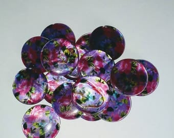 X 3 Pearl puck beads 20mm ornate purple background