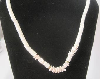 "16"" Vintage Shell Necklace"