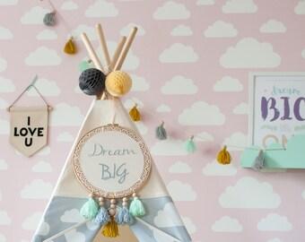 Embroidery hoop, hand embroidered name, hoop art, nursery, gift, baby shower, birthday, baptism,wedding. Wall hanging, dreamcatcher, if
